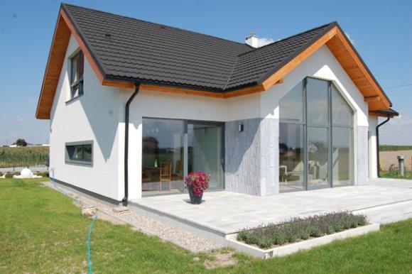 Galeria domu pokazowego na Osiedlu domów jednorodzinnych w Czekanowie wybudowanego na podstawie projektu TAMPA (DCP317)